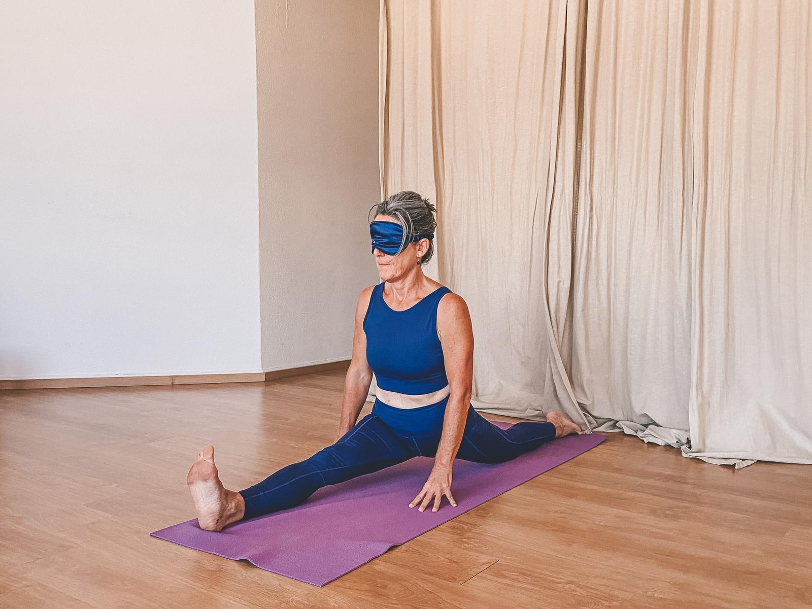 Blindfold Yoga – Not Seeing is Trusting